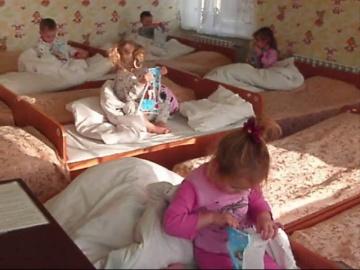 Святой Николай в гостях у малышей